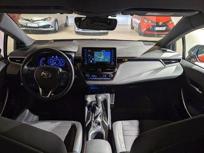 begagnad Toyota Corolla 2,0 HYBRID Executive 180Hk