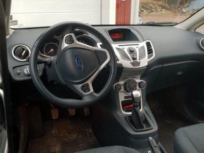 gebraucht Ford Fiesta -12