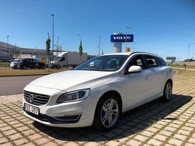 begagnad Volvo V60 D6 AWD Plug In hybrid Momentum