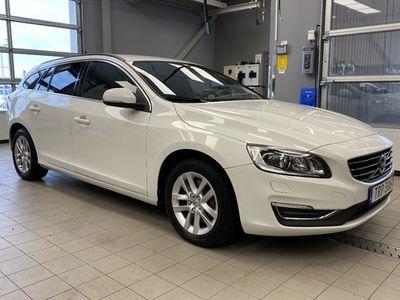 begagnad Volvo V60 D4 AWD Classic Momentum 2018, Kombi Pris 184 500 kr