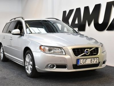 begagnad Volvo V70 2.5 FT   R-Design   Skinn   231hk