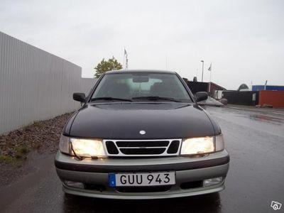 begagnad Saab 900 5D 2.0l, t bruksskick:-) Går bra -97