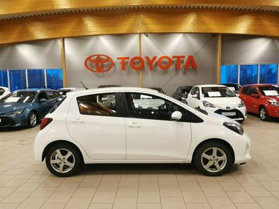 begagnad Toyota Yaris 1,33 5-D ACTIVE AUT/V-hjul,Mv+Kupe