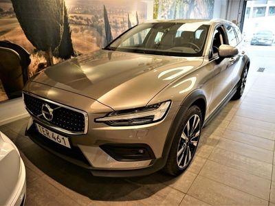 begagnad Volvo V60 CC D4 AWD Advanced Edt