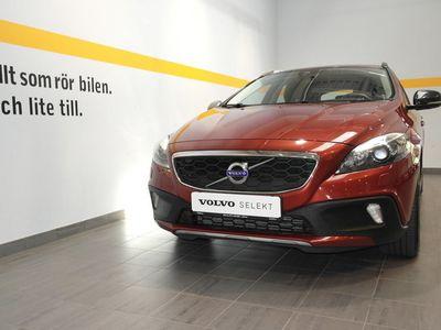 begagnad Volvo V40 CC D3 Momentum Business E 2016, Kombi 169 900 kr
