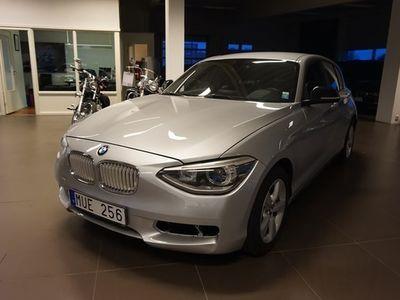 begagnad BMW 114 118 AUTOMAT SPORT LINE Halvkombi 2012, Personbil Pris900 kr