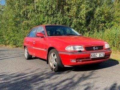 begagnad Opel Astra Gl 1.6 16V -98