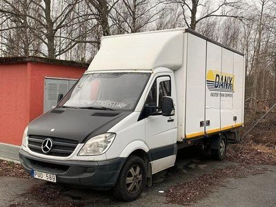 begagnad Mercedes Sprinter 319 Volymskåp/LYFT 18m