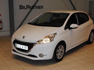 begagnad Peugeot 106 208 5d 1,2 VTi Active Automat 2015, Halvkombi800 kr