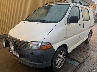 begagnad Toyota HiAce 2.5 Automat 102hk