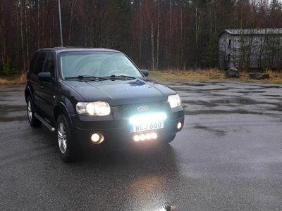 begagnad Ford Maverick 3.0 V6 4WD Automat