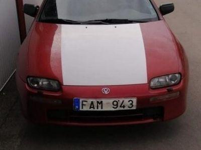 begagnad Mazda 323F