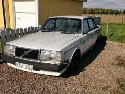 used Volvo 240 renoveringsobjekt -88
