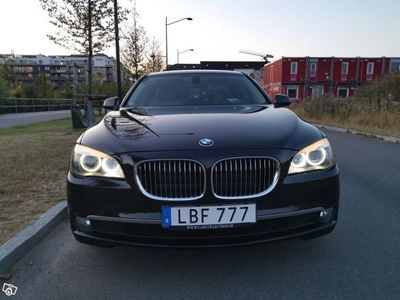 begagnad BMW 730 svensksåld Softclose Nybes -11