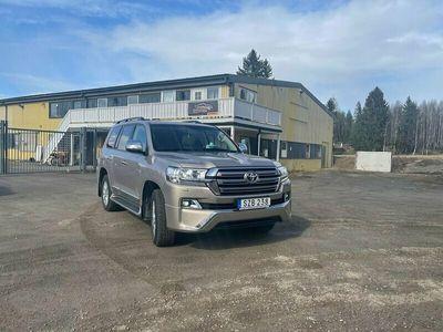 begagnad Toyota Land Cruiser 4.0 V6 4WD Automat 8-sits 275hk