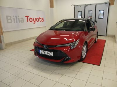 begagnad Toyota Corolla Hybrid 2,0 5D Style Bi-tone 180hk skatt 360kr