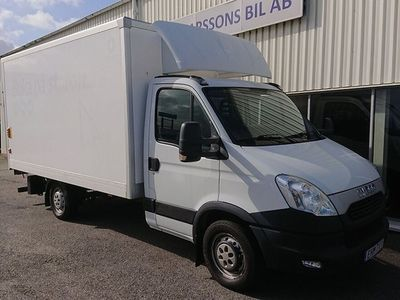 begagnad Iveco Daily 2.3 JTD Bakgavellyft Aut 5100 mil 146 hk