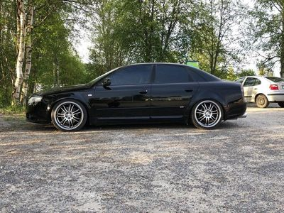 begagnad Audi A4 2.0T QUATTRO