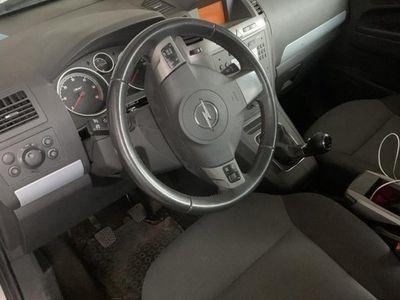 begagnad Opel Zafira 1.9