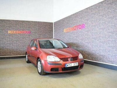 begagnad VW Golf 5-dörrar 1.6 102hk Ny Besiktad
