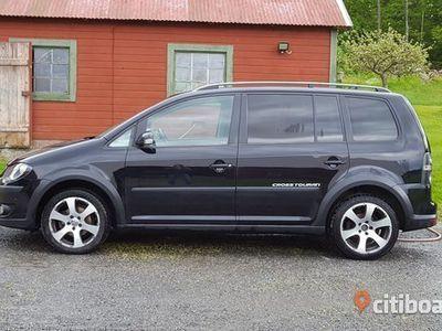 begagnad VW Touran Cross TDI 2,0