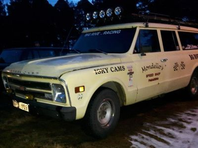 begagnad Chevrolet C20 Suburban Carryall 4.1