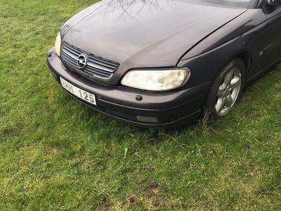 begagnad Opel Omega