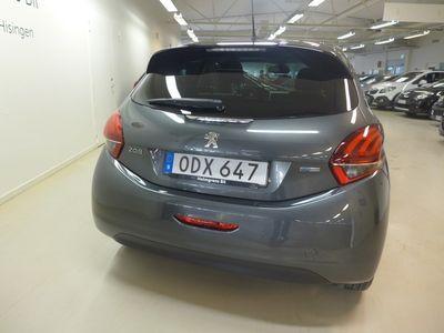 begagnad Peugeot 208 STYLE Pure Tech 82