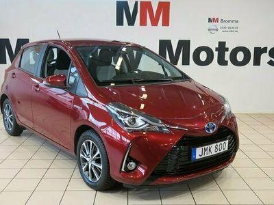 begagnad Toyota Yaris halvkombi Hybrid 1.5 VVT-i CVT Euro 6 101hk KAMERA bensin automat