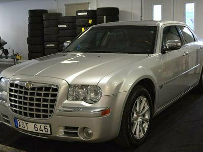 begagnad Chrysler 300C 3.5 V6 Automat 249hk TAKLUCKA/SKINN
