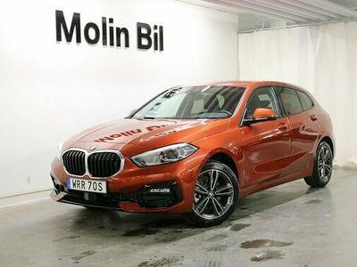 begagnad BMW 118 i 5-dörrar Connected 2021, Halvkombi Pris 3 195 kr