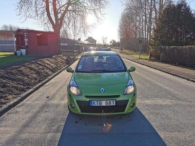 begagnad Renault Clio 5d 1.2 /75hk Ny Bes
