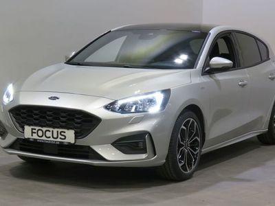 begagnad Ford Focus ST - Line X 1.0 8 - DCT | Panorama / B&O - ljudpaket