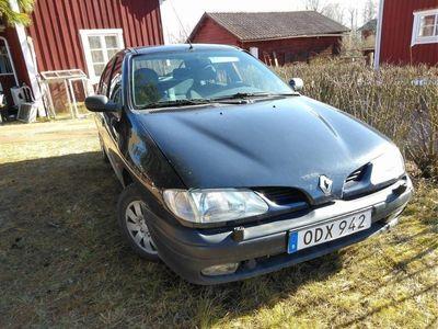 begagnad Renault Mégane 1.6 e Reservdelsbil