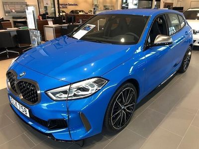 begagnad BMW M135 i xDrive Comfort/Innovation (306hk)