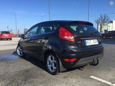 begagnad Ford Fiesta Titanium 1.6 TDCI 90hk -10