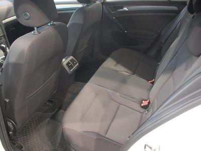 begagnad VW Golf 1,6 TDI 105 DSG7 MASTERS