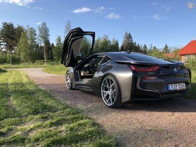 """begagnad BMW i8 / Laserlight / Displaykey / 22"""" Fälgar -17"""