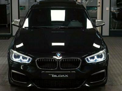 begagnad BMW M135 M135i i XDRIVE NAVI PRO SKINN GLASTAK KAMERA 1 2016, Personbil Pris 318 000 kr