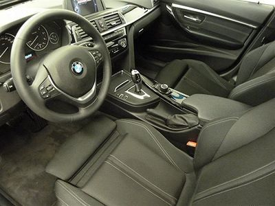 begagnad BMW 318 d Touring Model Sport Aut