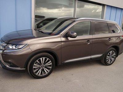begagnad Mitsubishi Outlander 2,0 CVT 4WD Komfort Plus