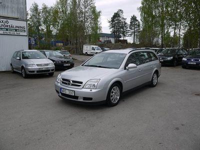 begagnad Opel Vectra Caravan 2.0 Turbo 175hk, bes december,kedja