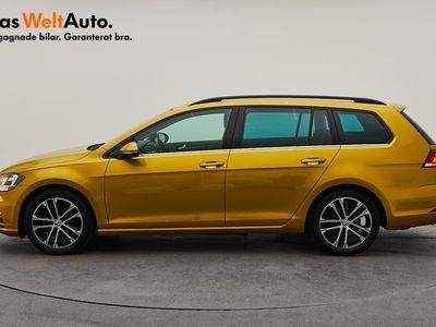begagnad VW Golf Sportscombi SC 1.5 TSI 150 ACT DSG / Dragpaket