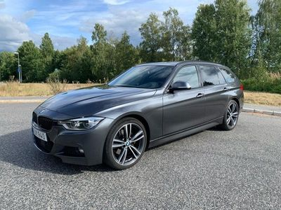 begagnad BMW 330 d xDrive Touring M Sport Panorama