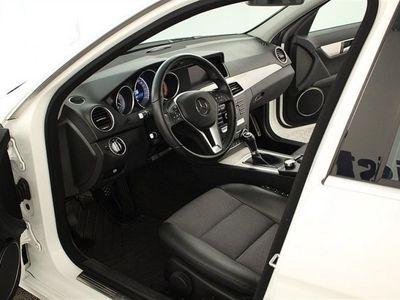 begagnad Mercedes C220 KOMBI CDI 170HK Avantgarde