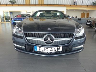 begagnad Mercedes 200 SLK BenzKompressor Automat-Xenon-Airscarf-Navi-Panorama-En 2015, Cab 268 500 kr