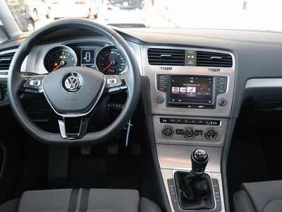 begagnad VW Golf 1.2 TSI 110 *Värmare/Xenon/Drag*