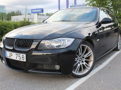 begagnad BMW 330 i Sedan Automat M-Sport Sv-Såld 258hk