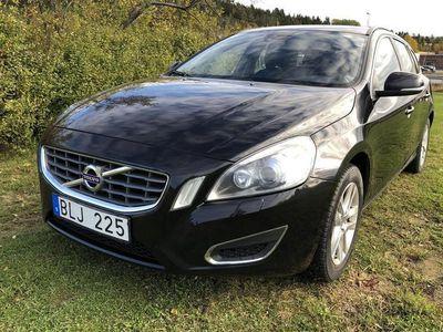 begagnad Volvo V60 D4 AWD
