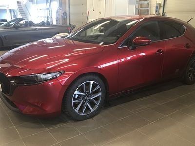 begagnad Mazda 3 2.0 M Hybrid Sky + Tech pack inkl vhjul, mv